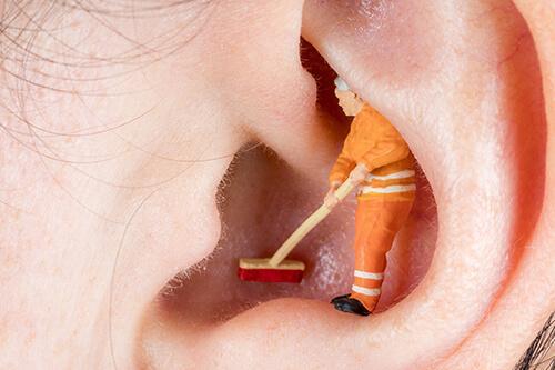Wie Bekommt Man Ohrenschmalz Raus